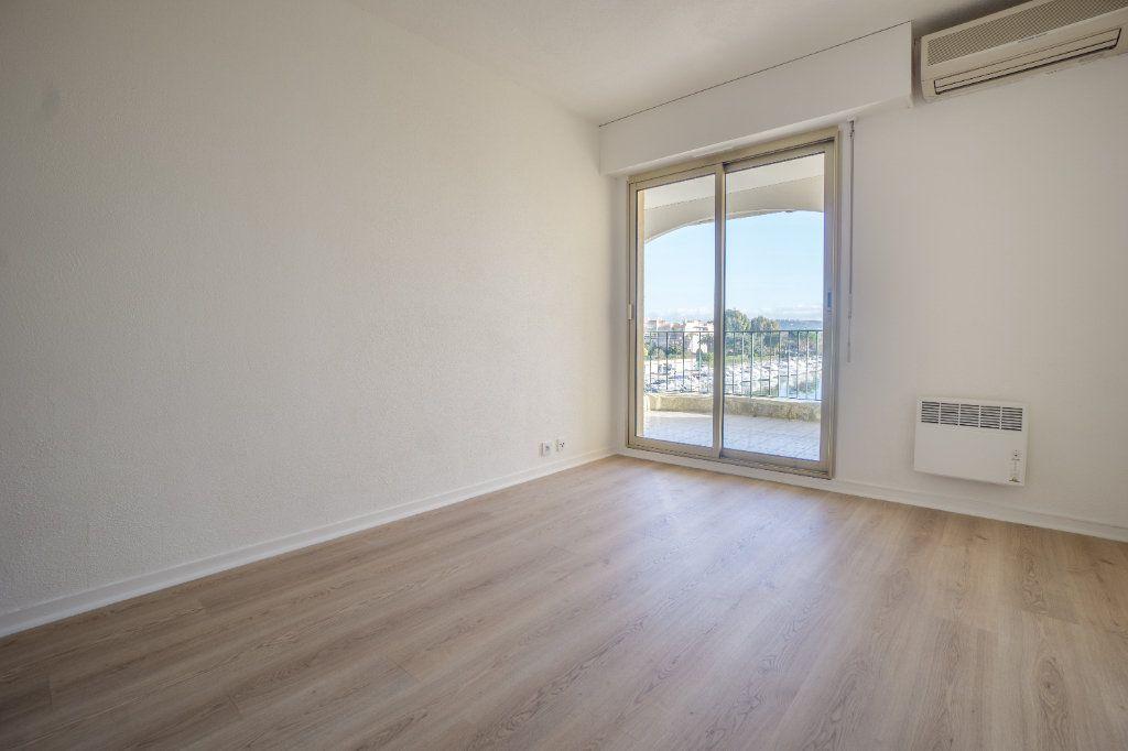 Appartement à louer 3 73.04m2 à Mandelieu-la-Napoule vignette-9