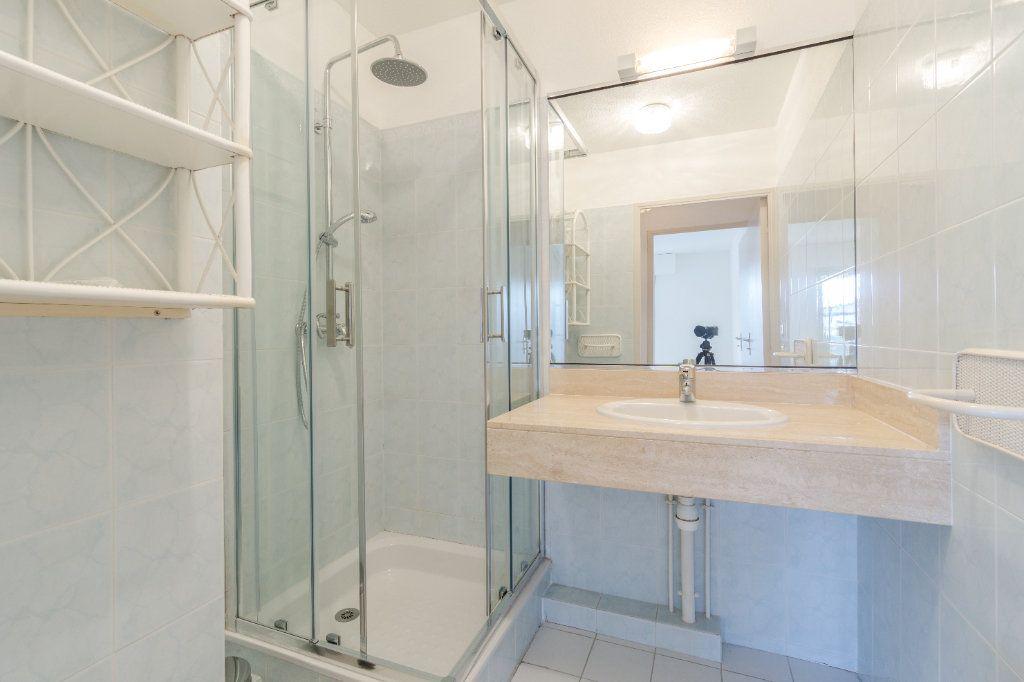 Appartement à louer 3 73.04m2 à Mandelieu-la-Napoule vignette-10
