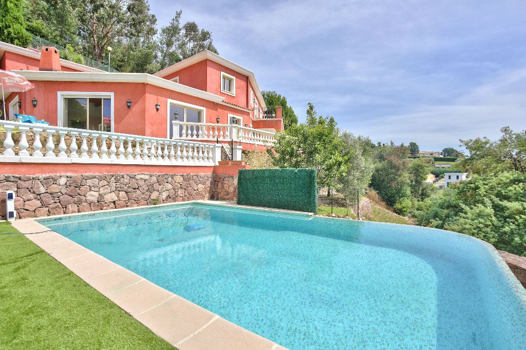 Maison à vendre 6 240m2 à Mandelieu-la-Napoule vignette-2