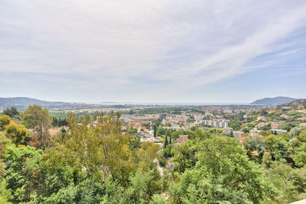 Maison à vendre 6 240m2 à Mandelieu-la-Napoule vignette-3