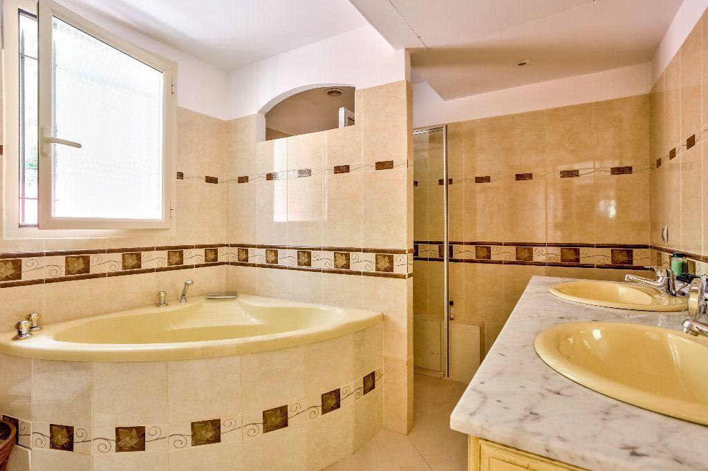 Maison à vendre 6 240m2 à Mandelieu-la-Napoule vignette-12