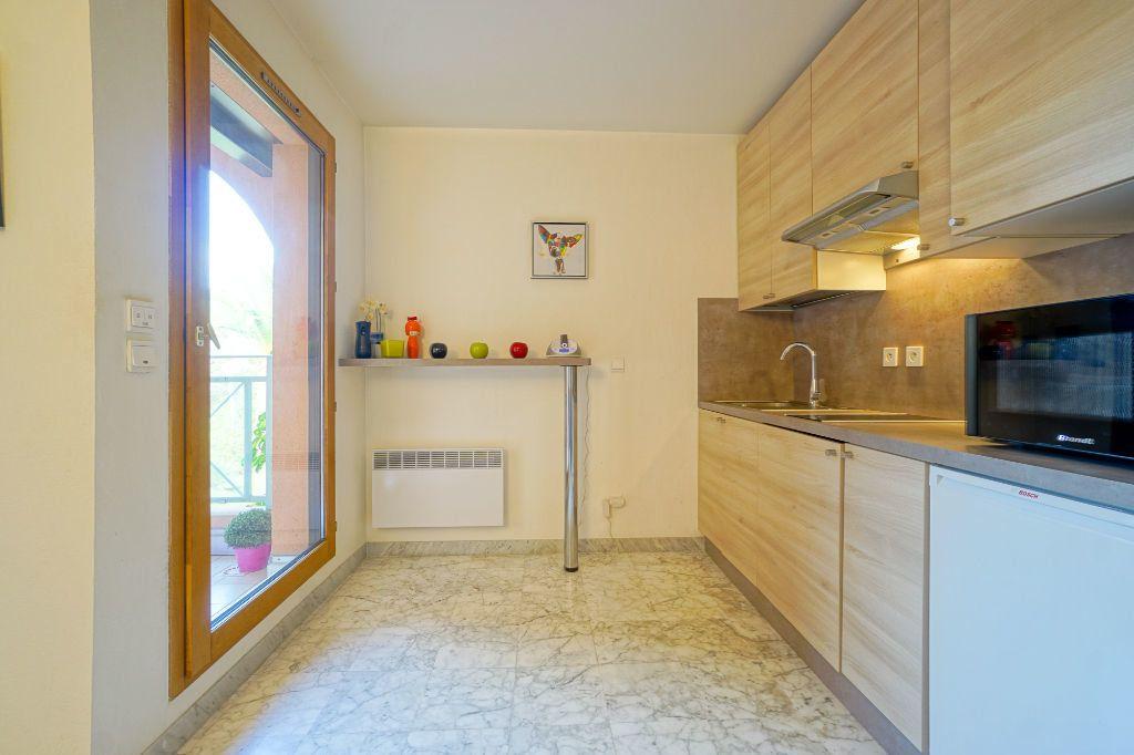 Appartement à louer 1 26.87m2 à Mandelieu-la-Napoule vignette-6
