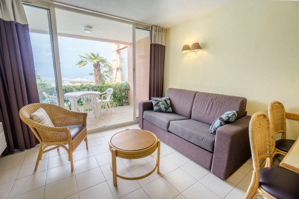 Appartement à louer 2 30.93m2 à Théoule-sur-Mer vignette-5