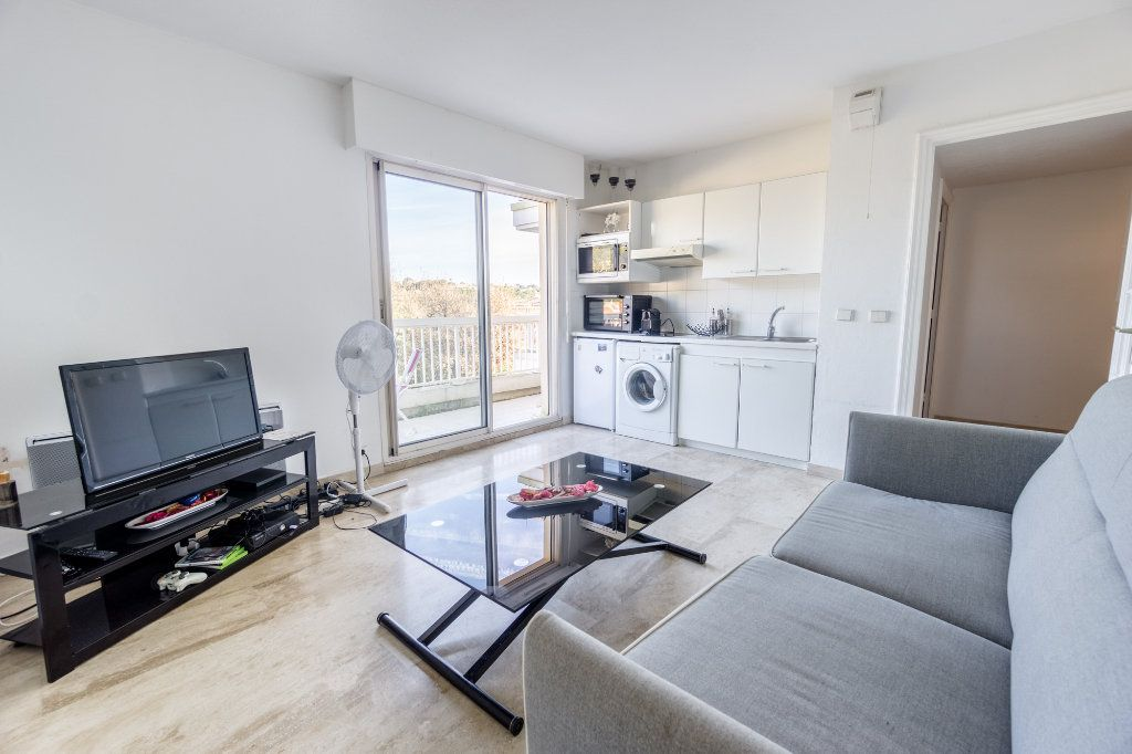 Appartement à louer 1 24.08m2 à Mandelieu-la-Napoule vignette-1