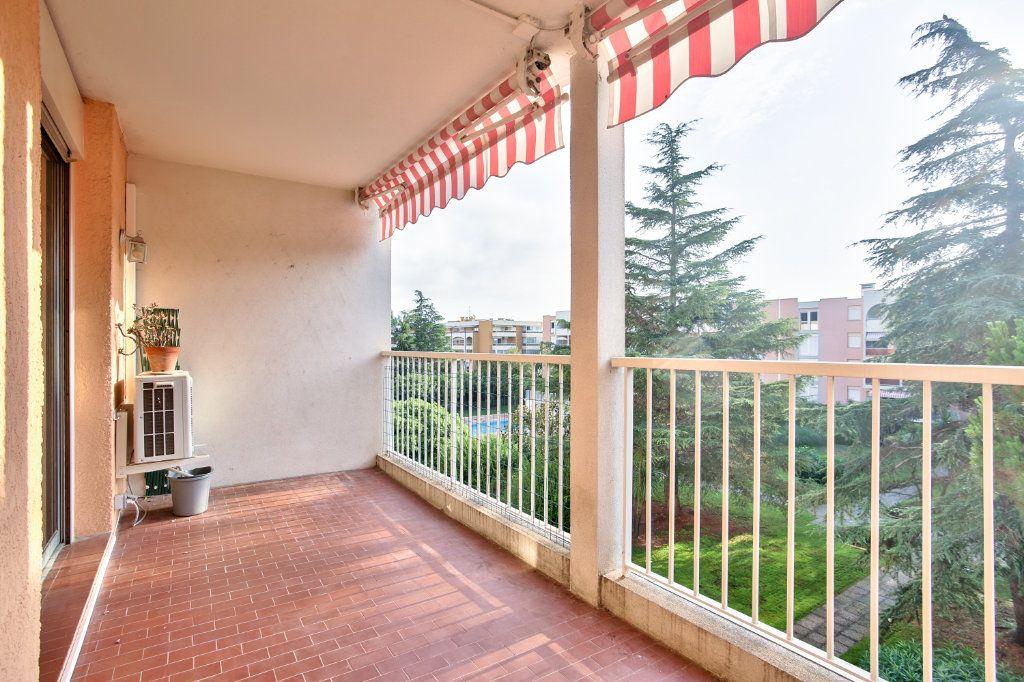 Appartement à louer 3 61.25m2 à Mandelieu-la-Napoule vignette-1