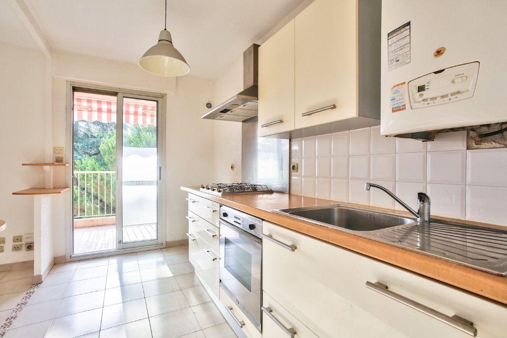 Appartement à louer 3 61.25m2 à Mandelieu-la-Napoule vignette-5
