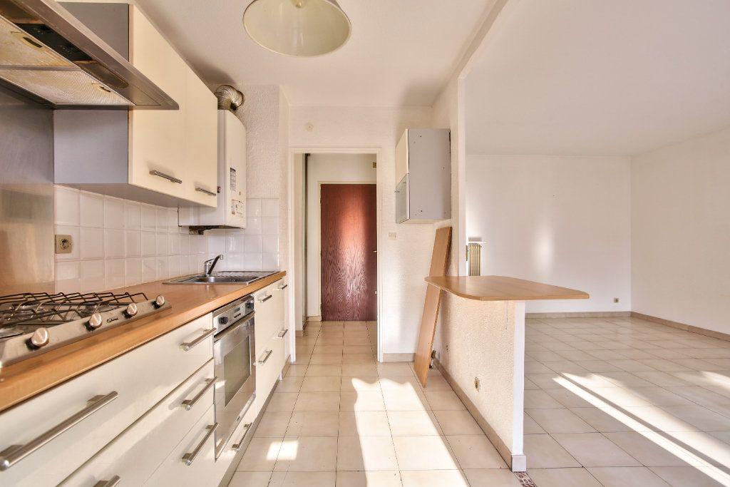 Appartement à louer 3 61.25m2 à Mandelieu-la-Napoule vignette-6