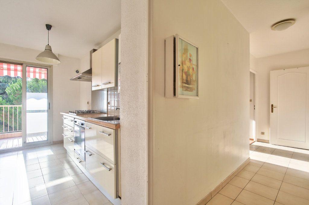 Appartement à louer 3 61.25m2 à Mandelieu-la-Napoule vignette-8