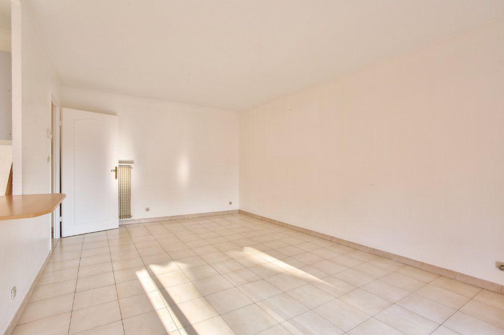 Appartement à louer 3 61.25m2 à Mandelieu-la-Napoule vignette-10