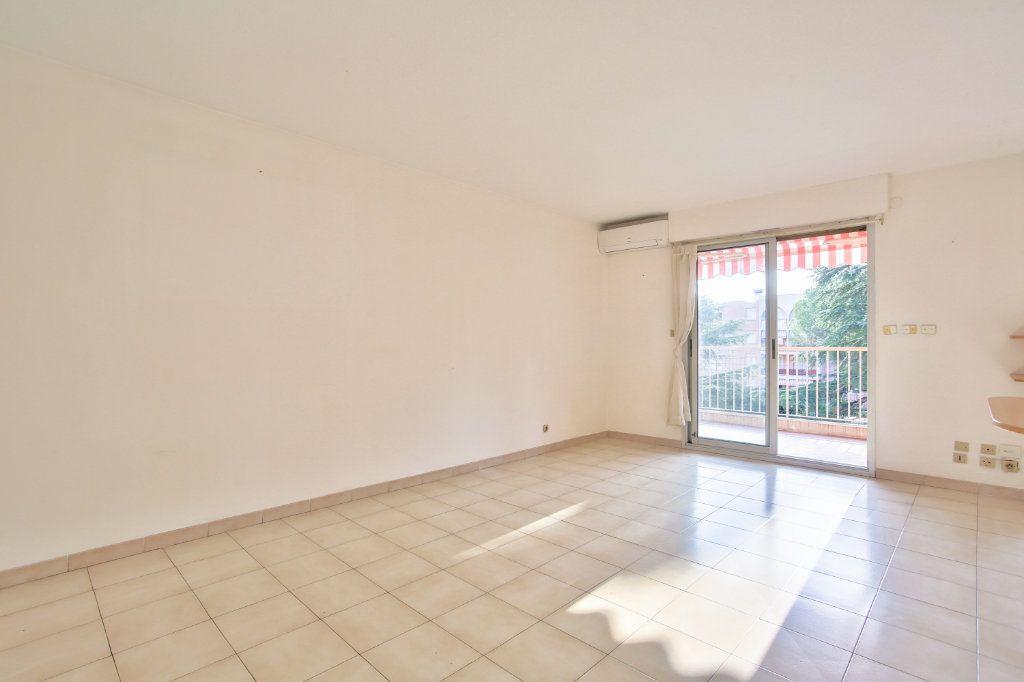 Appartement à louer 3 61.25m2 à Mandelieu-la-Napoule vignette-11