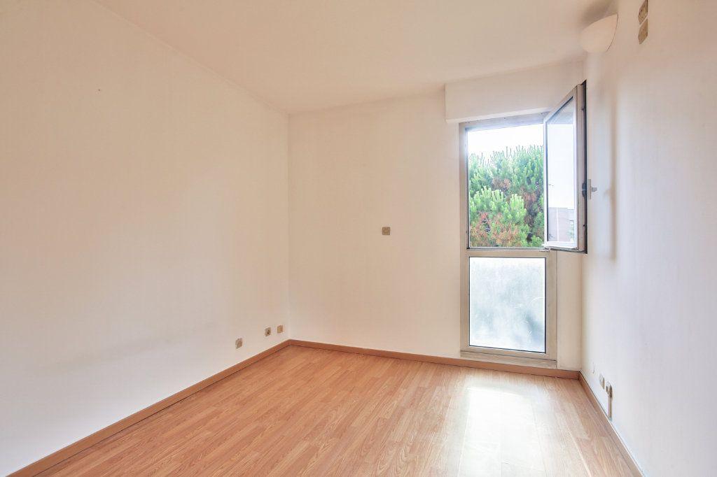 Appartement à louer 3 61.25m2 à Mandelieu-la-Napoule vignette-12
