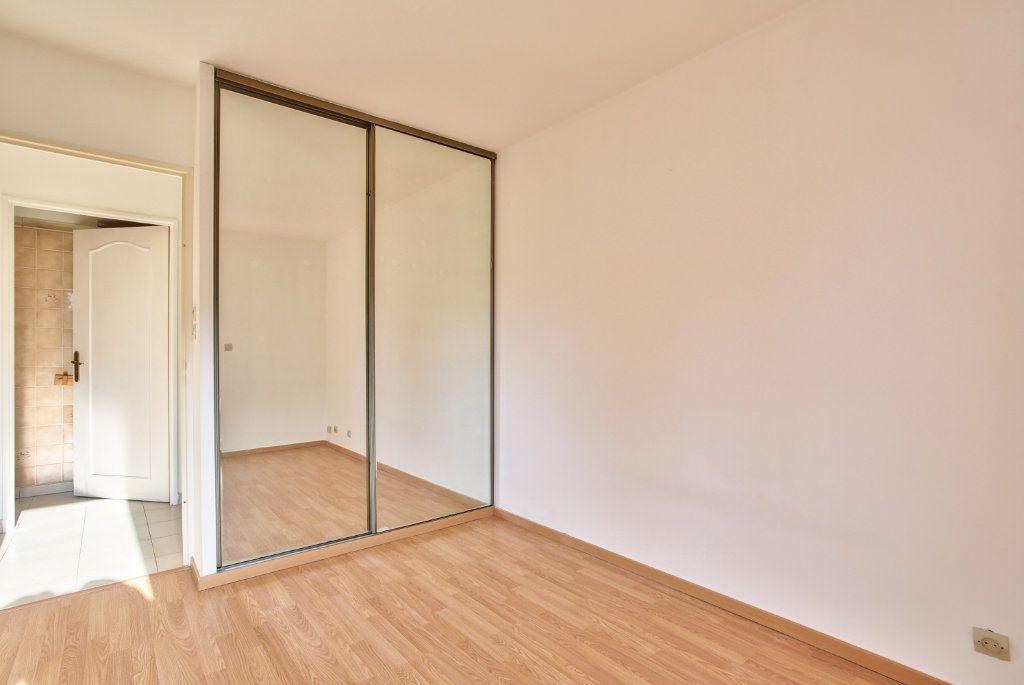 Appartement à louer 3 61.25m2 à Mandelieu-la-Napoule vignette-13