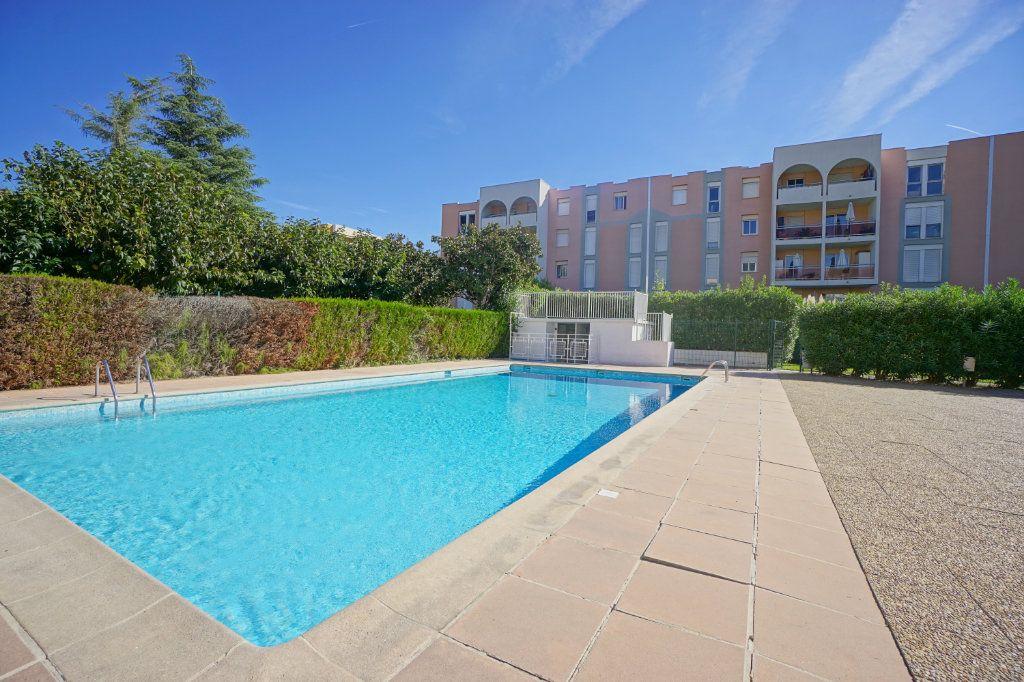 Appartement à louer 3 61.25m2 à Mandelieu-la-Napoule vignette-17