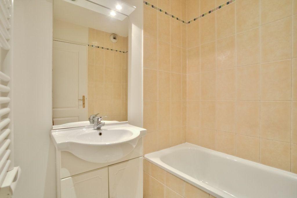Appartement à vendre 3 71.59m2 à Mandelieu-la-Napoule vignette-4