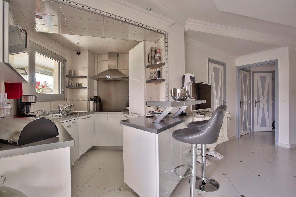 Appartement à vendre 2 39.48m2 à Mandelieu-la-Napoule vignette-4