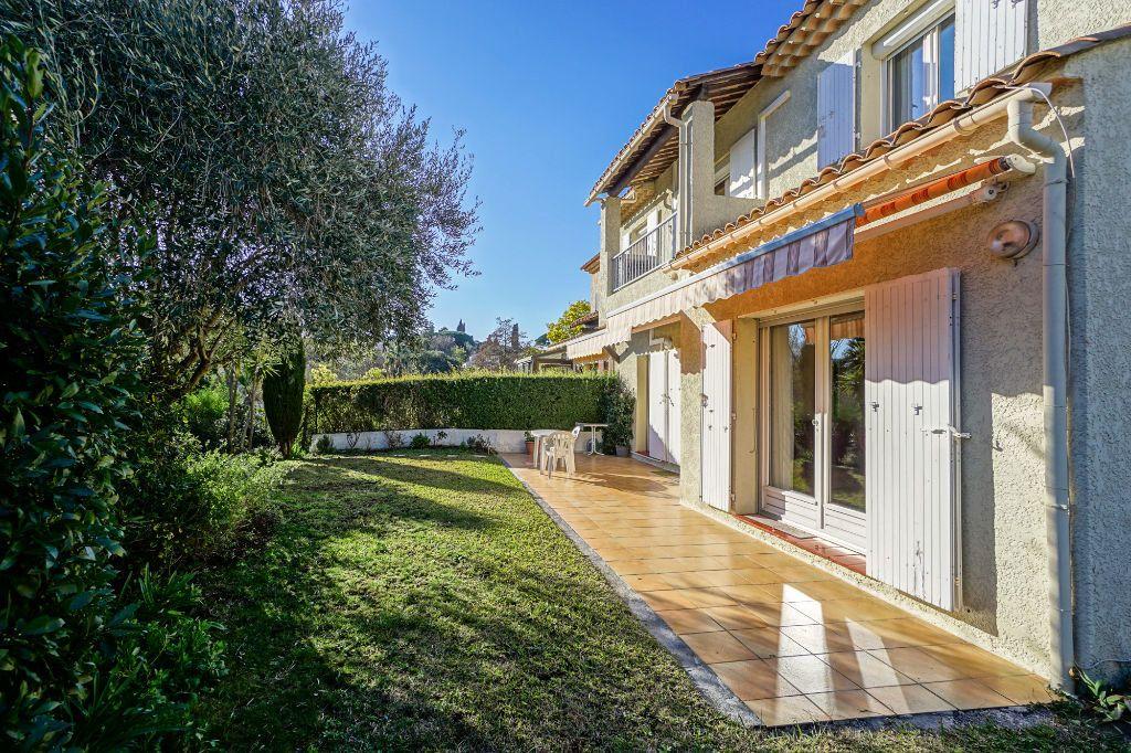 Maison à vendre 5 110m2 à Mandelieu-la-Napoule vignette-3