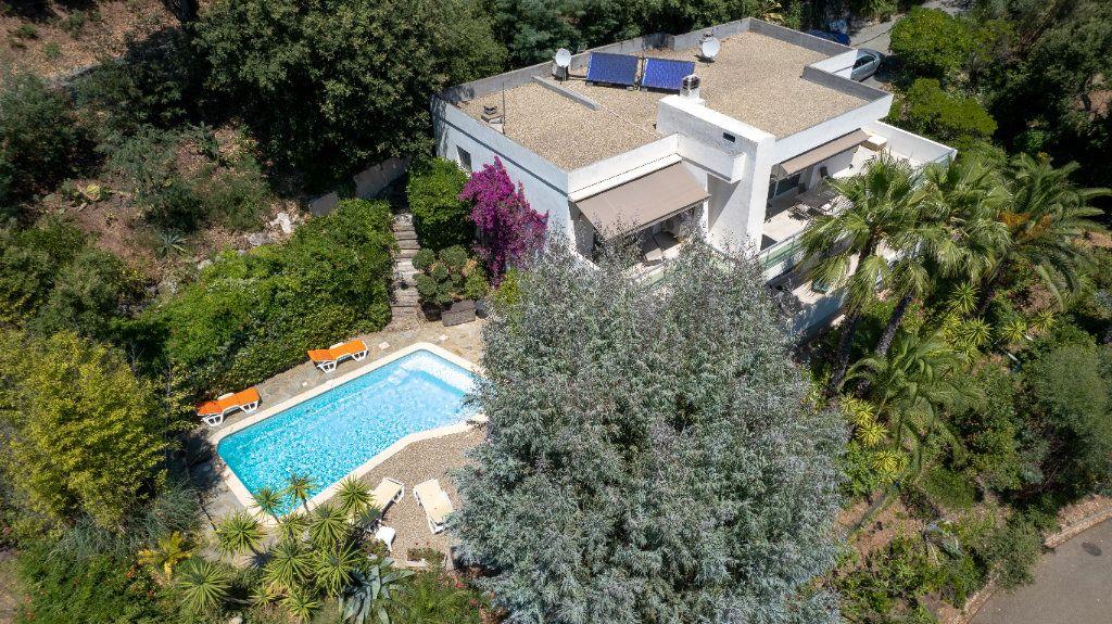 Maison à vendre 7 238m2 à Fréjus vignette-2