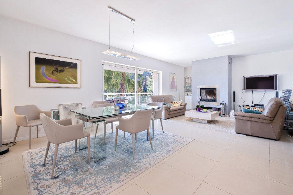 Maison à vendre 7 238m2 à Fréjus vignette-7