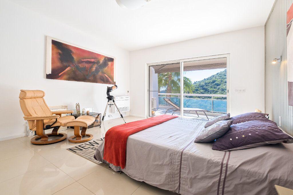 Maison à vendre 7 238m2 à Fréjus vignette-9