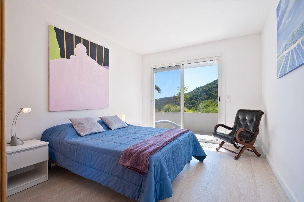 Maison à vendre 7 238m2 à Fréjus vignette-14