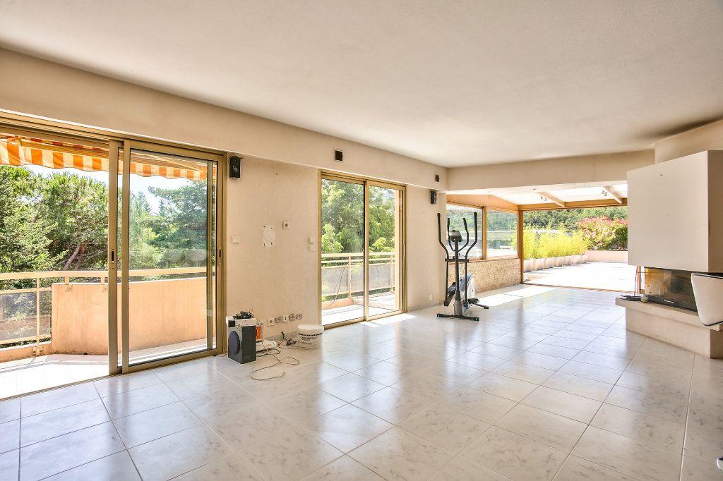 Appartement à vendre 4 90m2 à Mandelieu-la-Napoule vignette-3