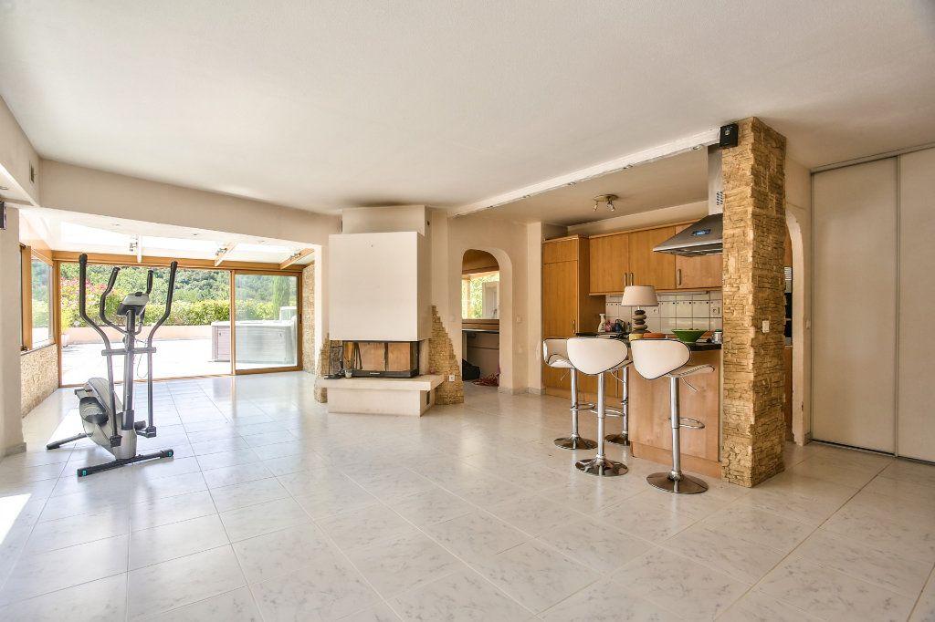 Appartement à vendre 4 90m2 à Mandelieu-la-Napoule vignette-4