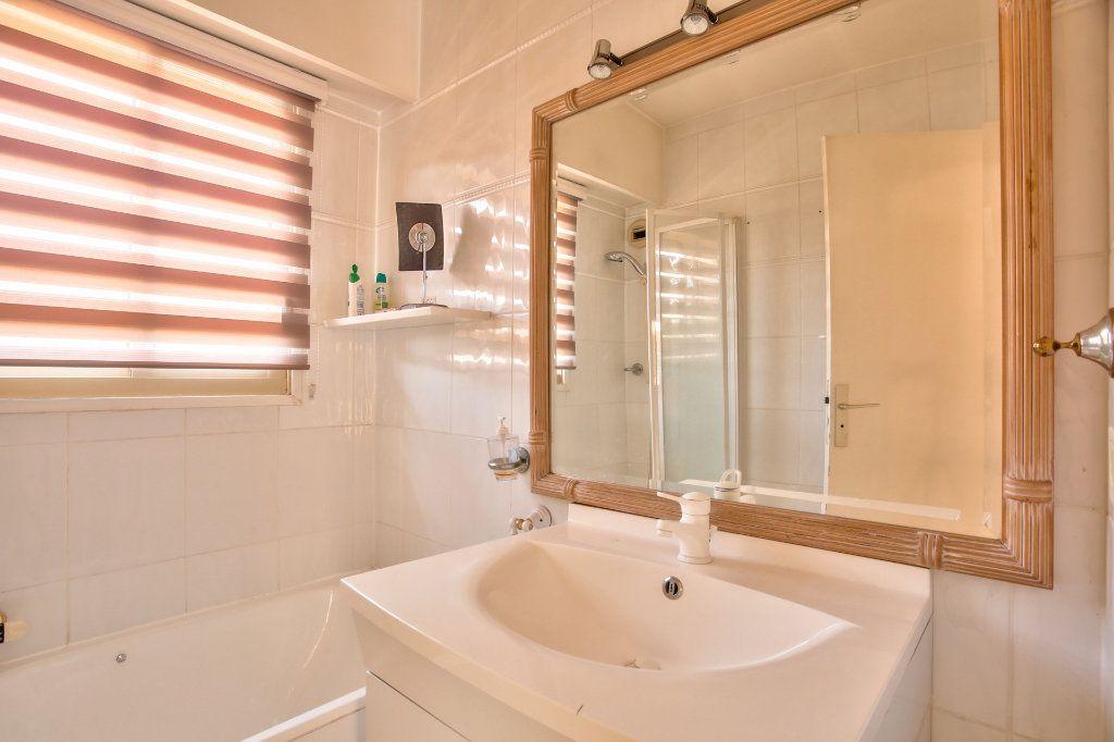 Appartement à vendre 4 90m2 à Mandelieu-la-Napoule vignette-9