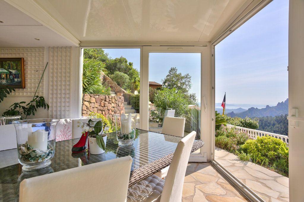 Maison à vendre 7 230m2 à Fréjus vignette-5