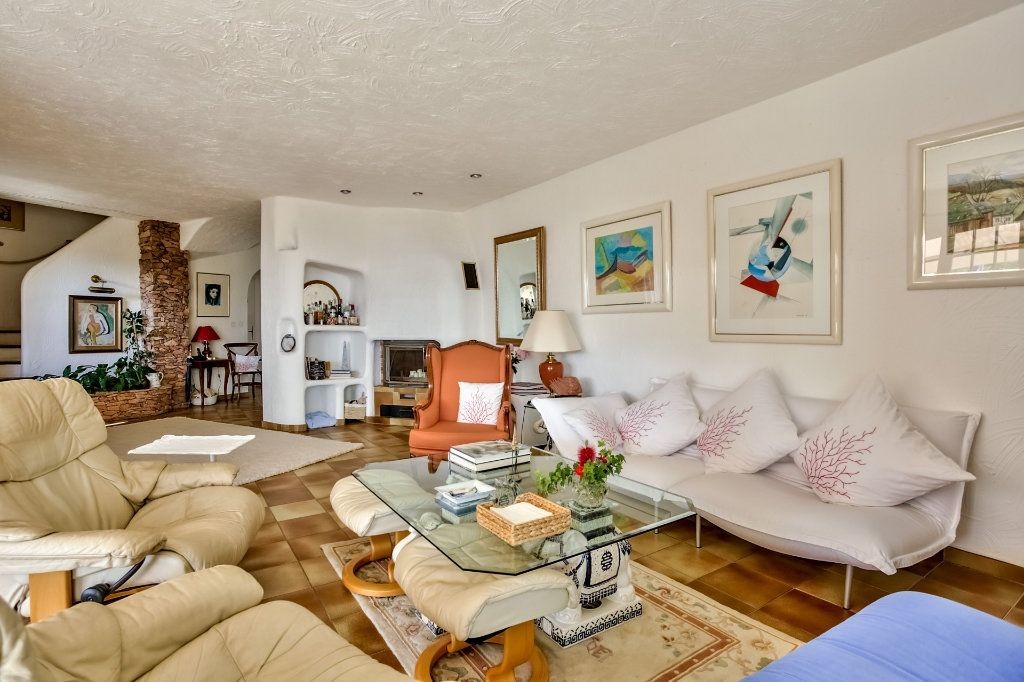 Maison à vendre 7 230m2 à Fréjus vignette-6