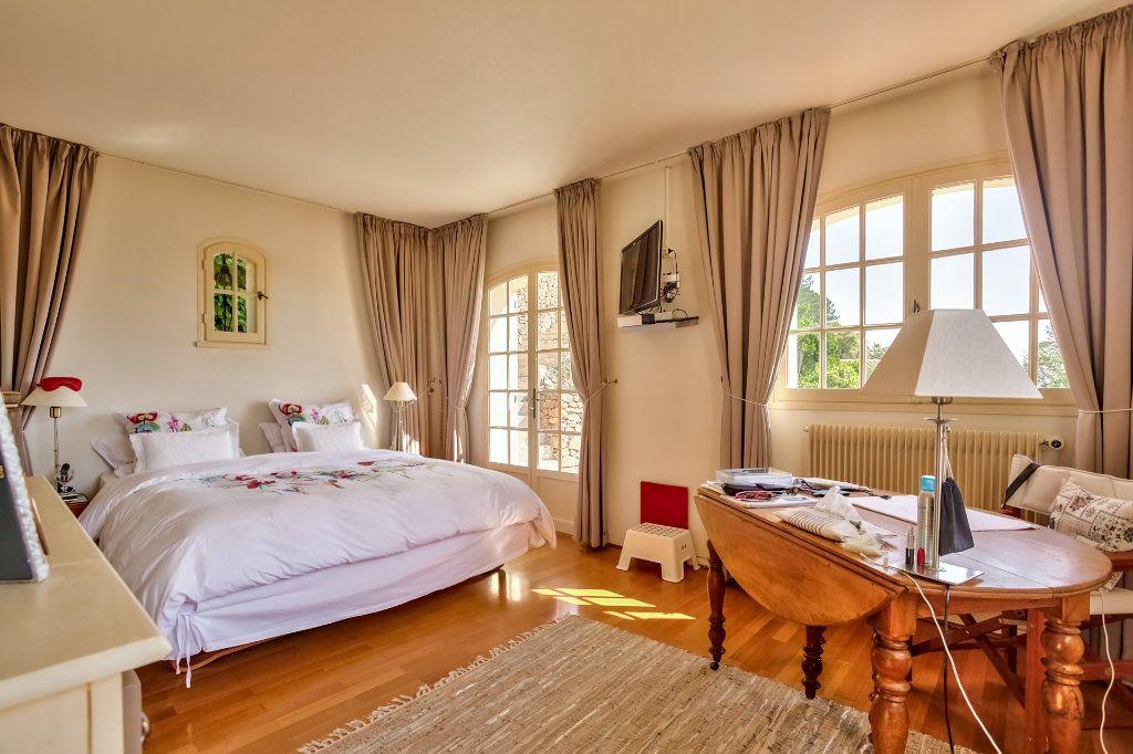 Maison à vendre 7 230m2 à Fréjus vignette-8