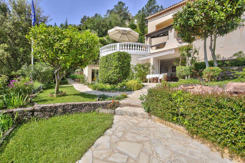 Maison à vendre 7 230m2 à Fréjus vignette-17