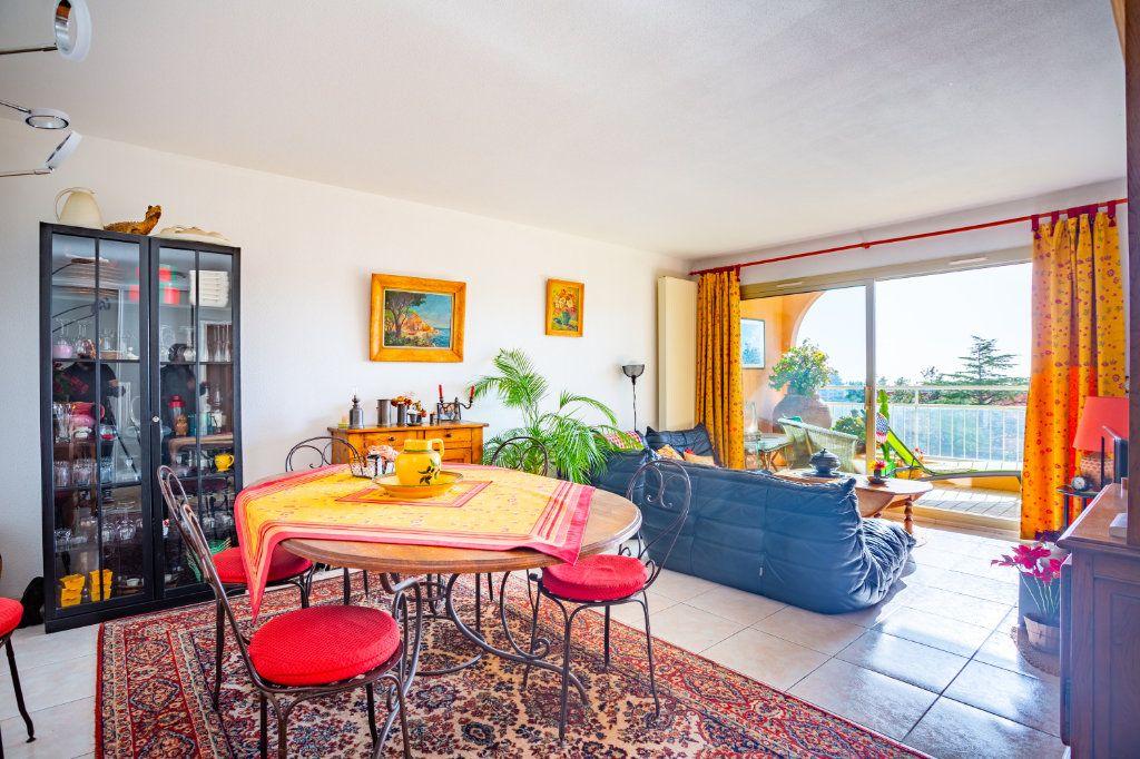 Appartement à vendre 3 69.04m2 à Mandelieu-la-Napoule vignette-2