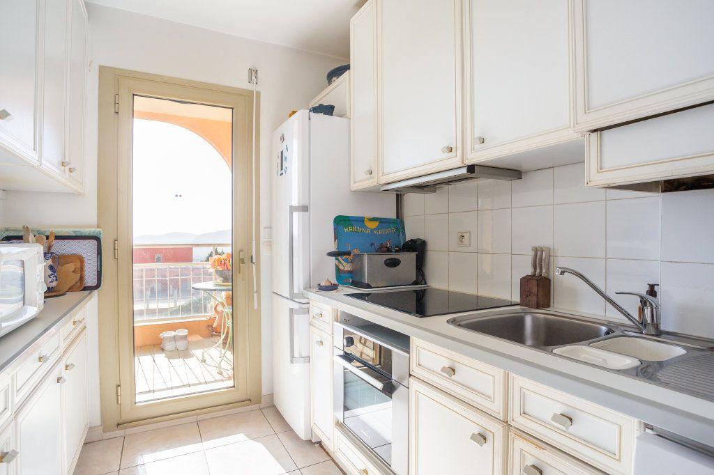 Appartement à vendre 3 69.04m2 à Mandelieu-la-Napoule vignette-3