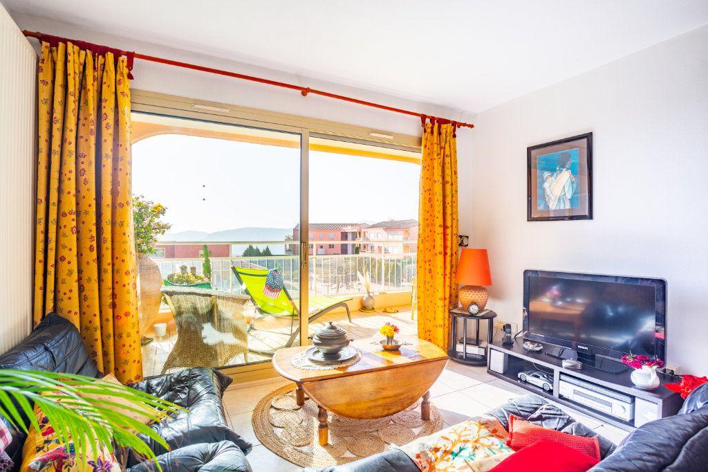 Appartement à vendre 3 69.04m2 à Mandelieu-la-Napoule vignette-5