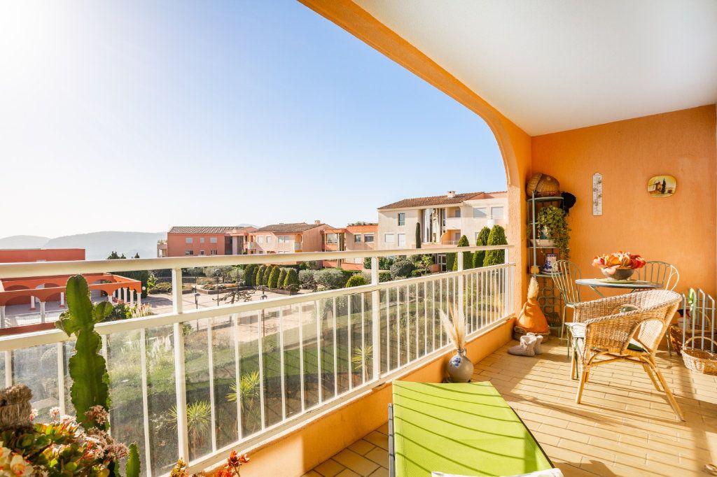 Appartement à vendre 3 69.04m2 à Mandelieu-la-Napoule vignette-6