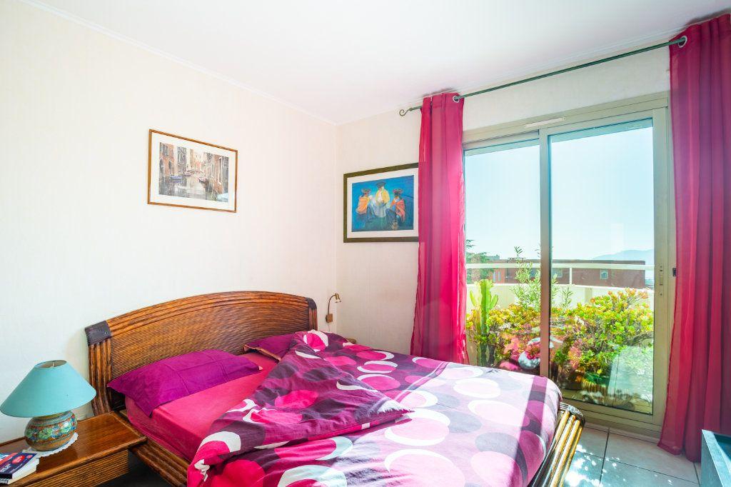 Appartement à vendre 3 69.04m2 à Mandelieu-la-Napoule vignette-7