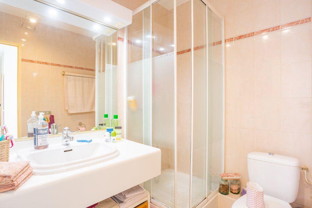 Appartement à vendre 3 69.04m2 à Mandelieu-la-Napoule vignette-9