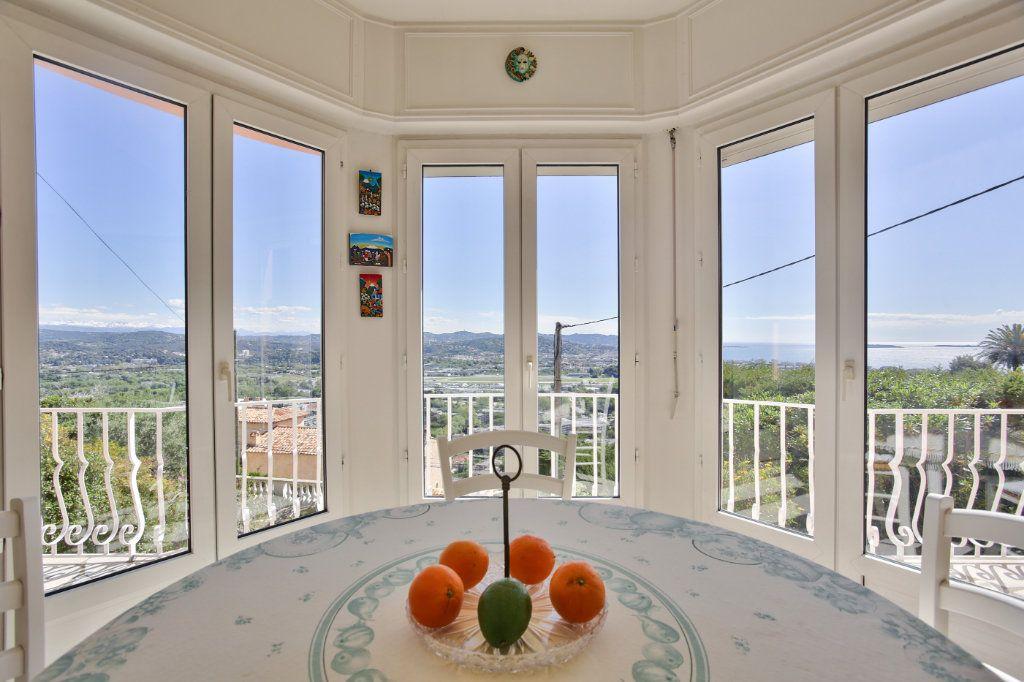 Maison à vendre 4 112.69m2 à Mandelieu-la-Napoule vignette-1