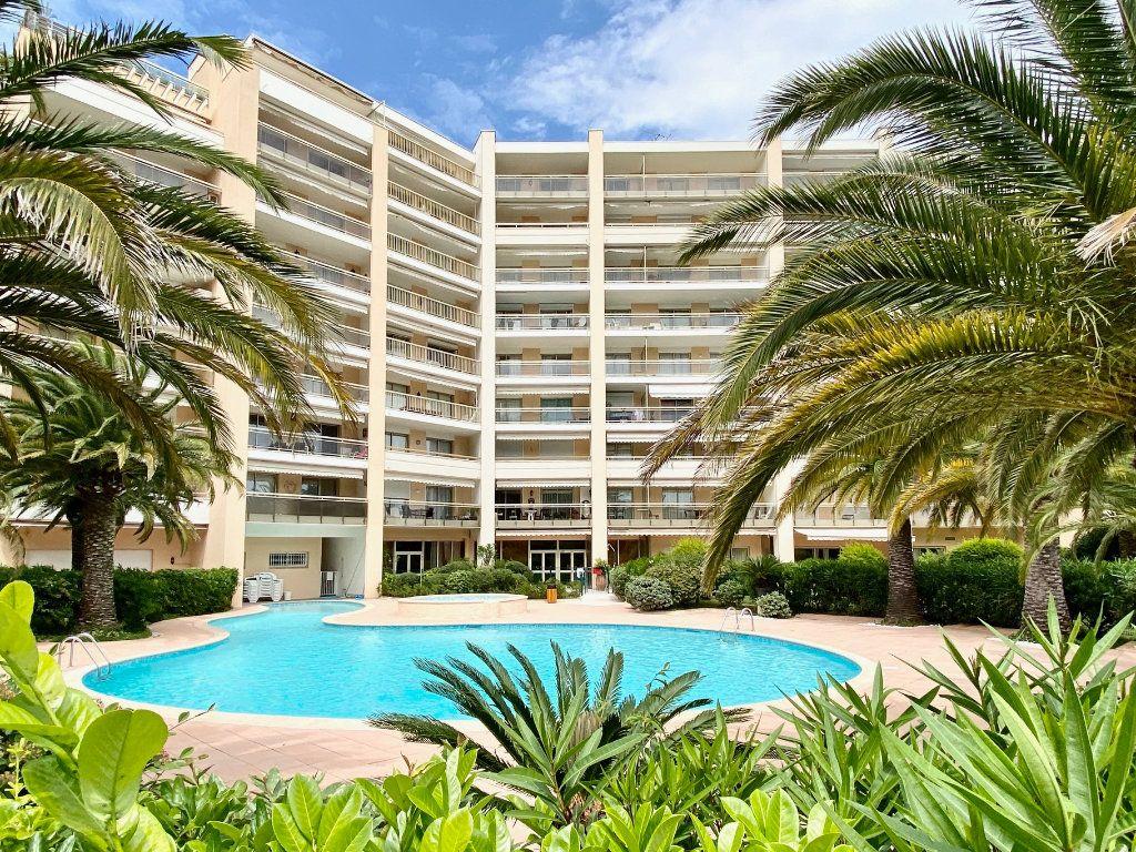 Appartement à vendre 4 77.25m2 à Mandelieu-la-Napoule vignette-5