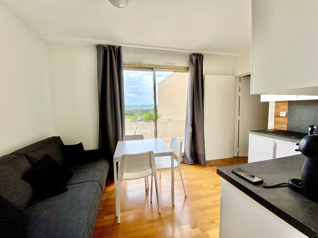 Appartement à vendre 4 77.25m2 à Mandelieu-la-Napoule vignette-11