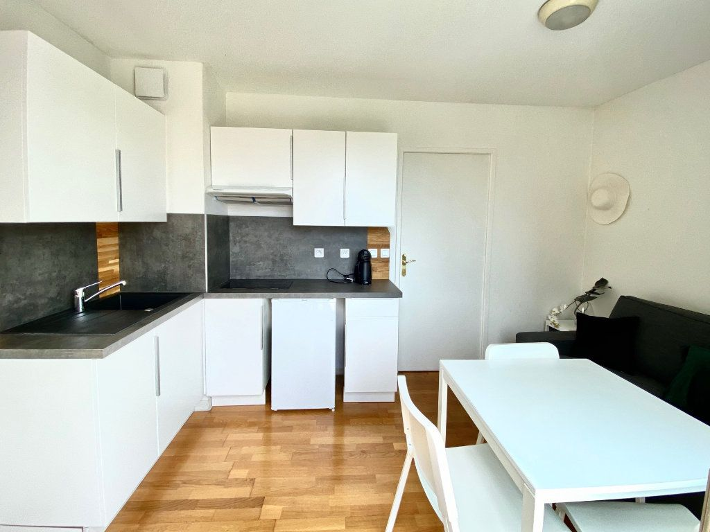 Appartement à vendre 4 77.25m2 à Mandelieu-la-Napoule vignette-12