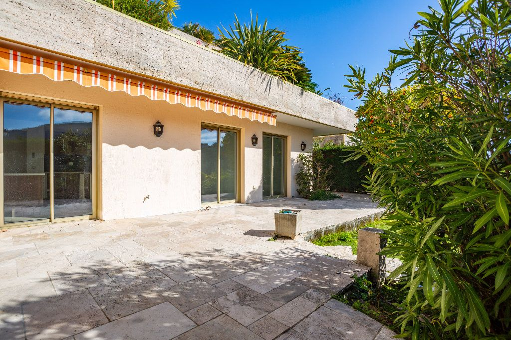 Appartement à vendre 4 119.01m2 à Mandelieu-la-Napoule vignette-6