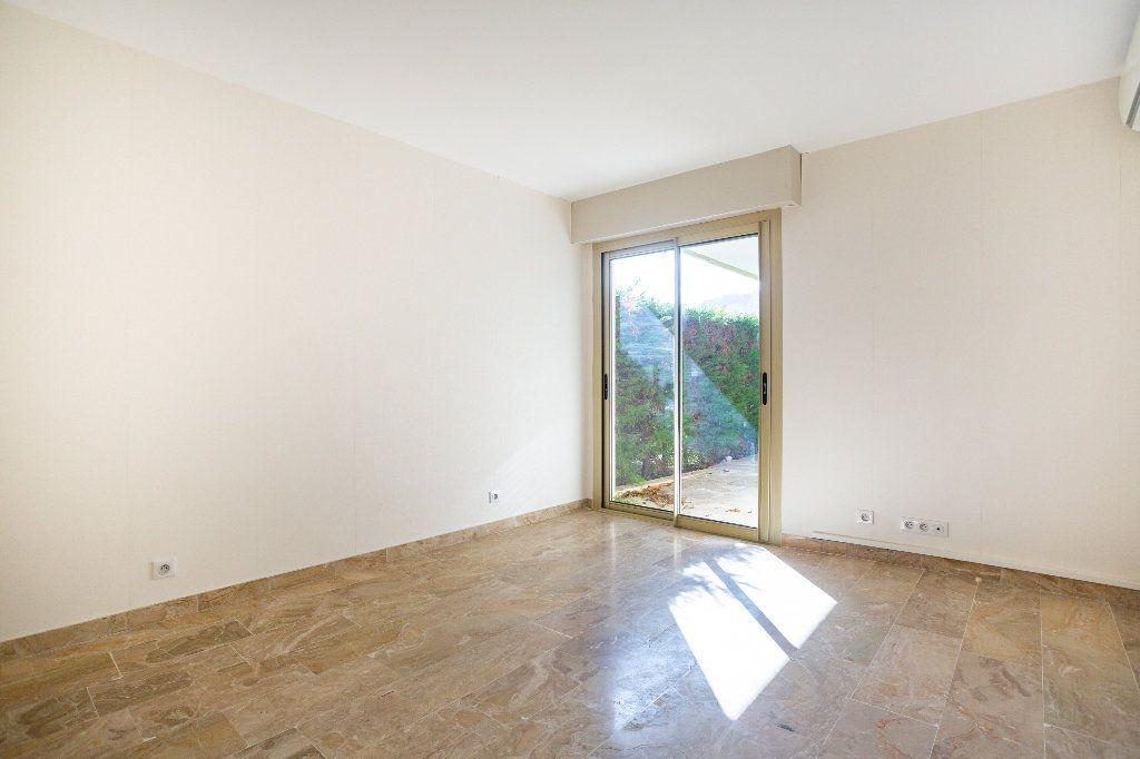 Appartement à vendre 4 119.01m2 à Mandelieu-la-Napoule vignette-13