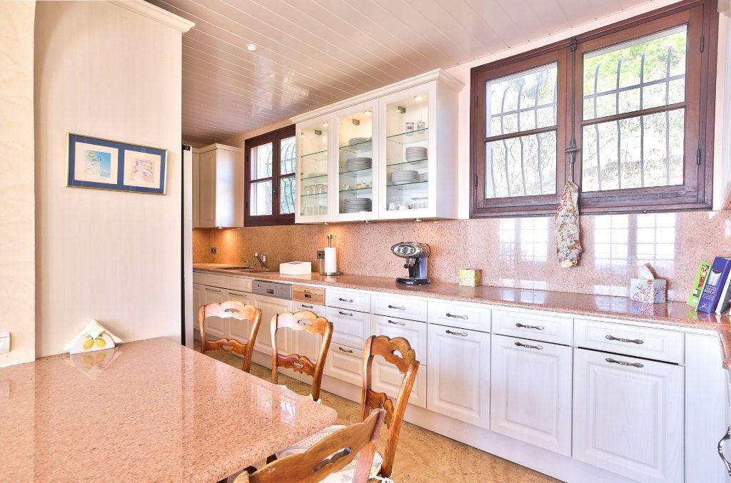 Maison à vendre 8 170m2 à Mandelieu-la-Napoule vignette-5