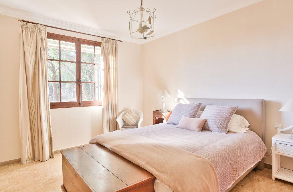 Maison à vendre 8 170m2 à Mandelieu-la-Napoule vignette-11