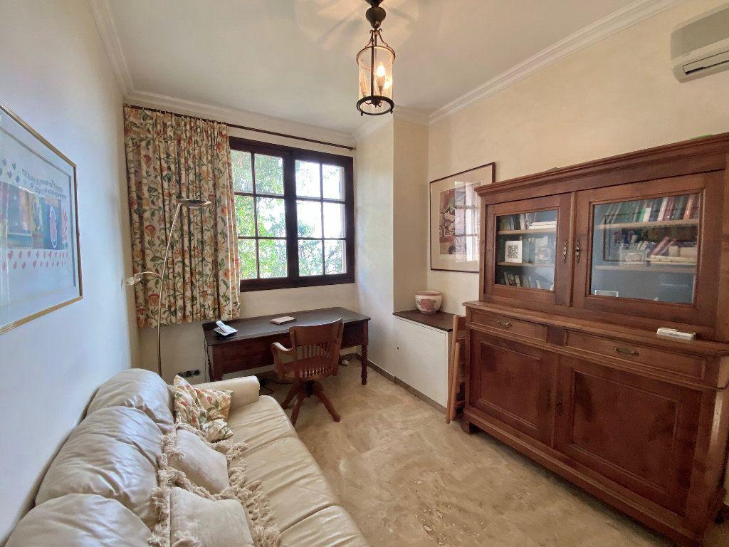 Maison à vendre 8 170m2 à Mandelieu-la-Napoule vignette-13