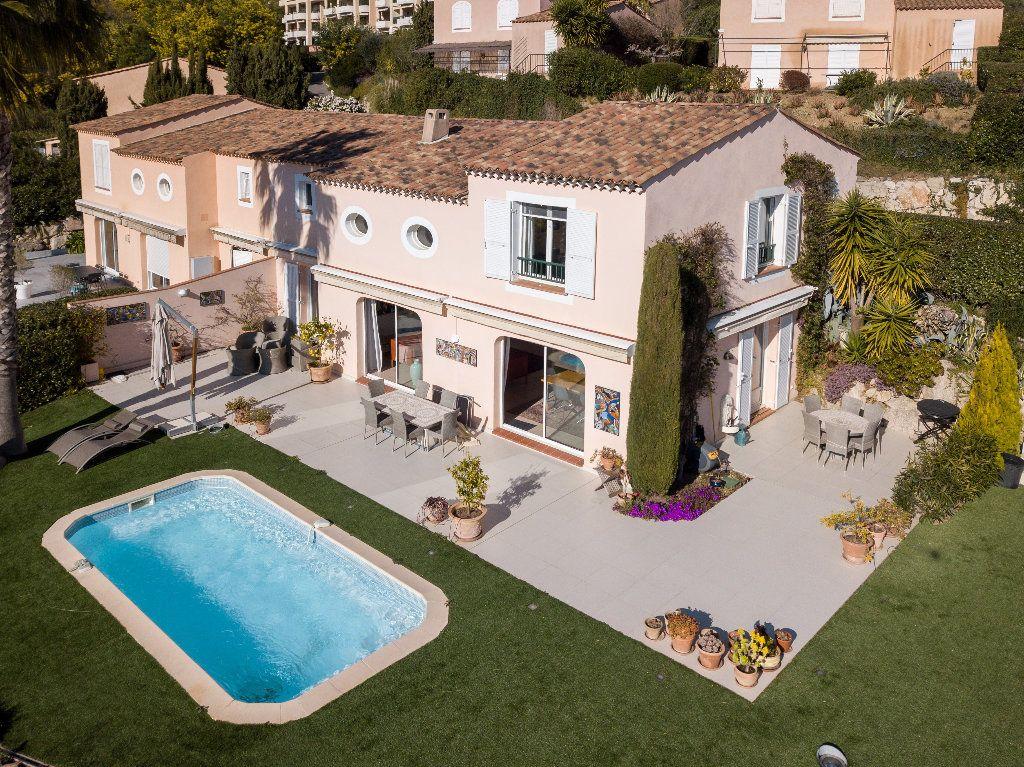 Maison à vendre 4 124.08m2 à Mandelieu-la-Napoule vignette-7