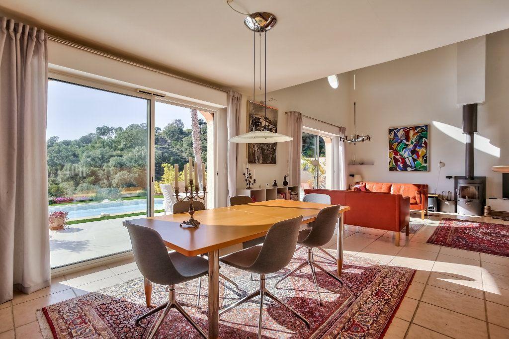 Maison à vendre 4 124.08m2 à Mandelieu-la-Napoule vignette-12