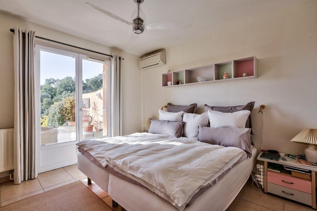 Maison à vendre 4 124.08m2 à Mandelieu-la-Napoule vignette-16