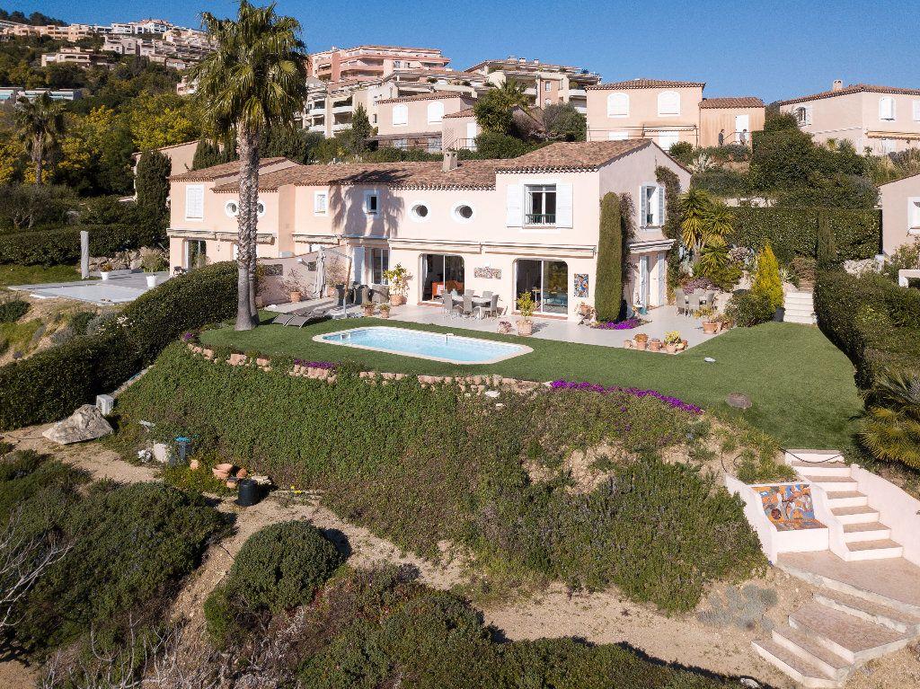 Maison à vendre 4 124.08m2 à Mandelieu-la-Napoule vignette-17